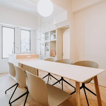 貸し会議室です。イノベーションが誘発される空間に。