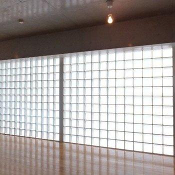 2箇所開口部あり。※写真は4階の同間取り別部屋のものです
