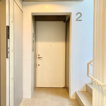 1フロア2居住で、エレベーターや階段もゆったり使えますよ。