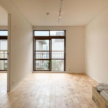【イメージ】細長いリビングで家具も配置しやすそう
