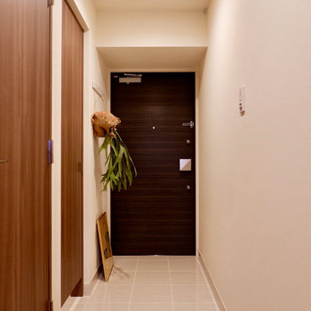 玄関はとても広いスペースが確保されています。