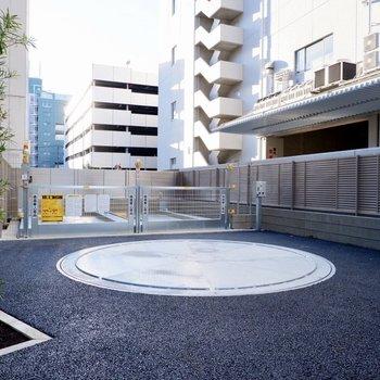 機械式の駐車場もあります。