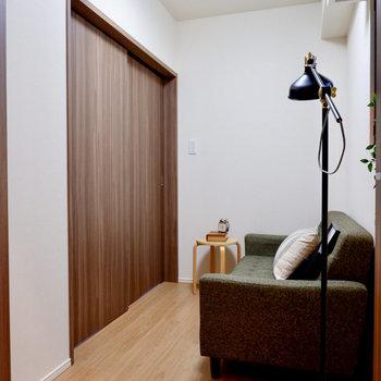 【ベッドルーム】広さは約2.7帖です。