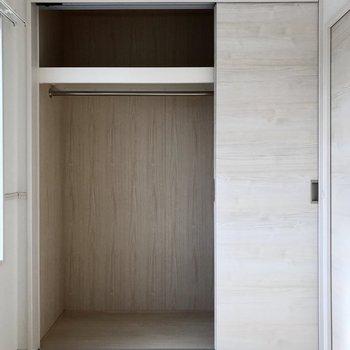 スライド式だからデッドスペースも少なめ◯(※写真は6階の同間取り別部屋のものです)