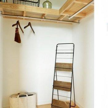クローゼットの中は広々!※写真は4階の似た間取り、別部屋のもの。家具はイメージです