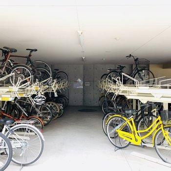 自転車置き場もありますよ〜