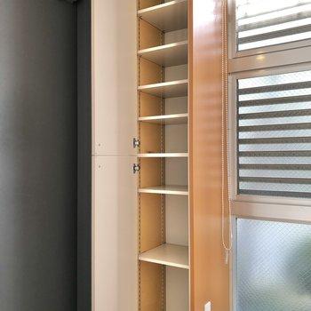 棚の高さを変えられます。