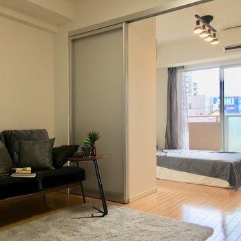 ソファーも置けちゃう※写真は3階の反転間取り別部屋、モデルルームのものです