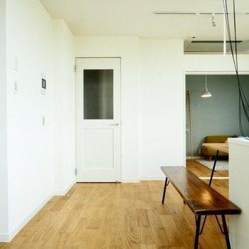 奥に進むと寝室が※写真は4階の同じ間取り、別部屋のもの