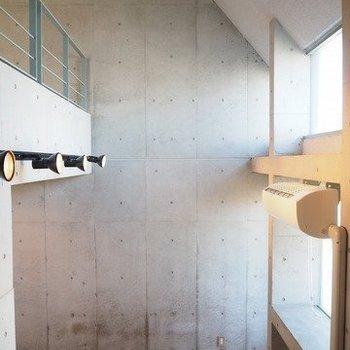 天井が高すぎる!!!※写真は3階の反転間取り別部屋のものです