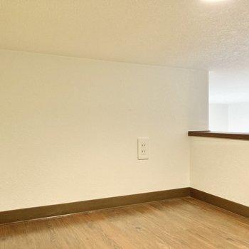 高さは70cmほど。収納スペースとしてもお使いいただけます。