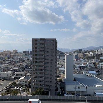 眺望は開けています。さすが12階!