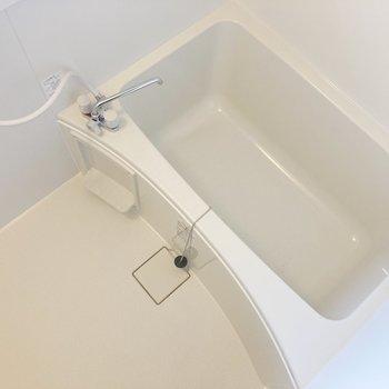 お風呂も清潔感がありますね〇