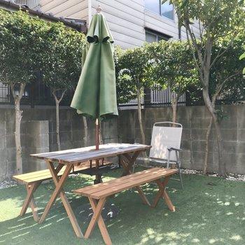 バルコニー奥にはお庭がありました!