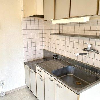 調理場もあるので、自炊しやすそうです。※写真は清掃前のものです