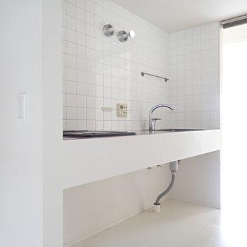 キッチンまわりはタイルなのでお掃除がしやすい!