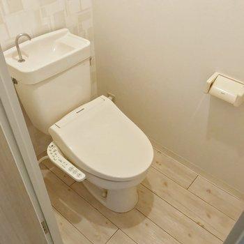トイレはウォシュレットがついていますよ。