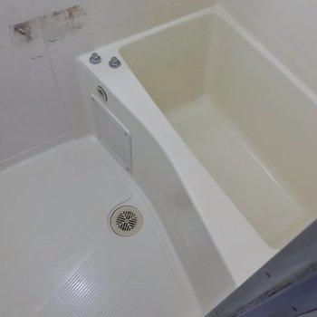 お風呂は工事中でした。