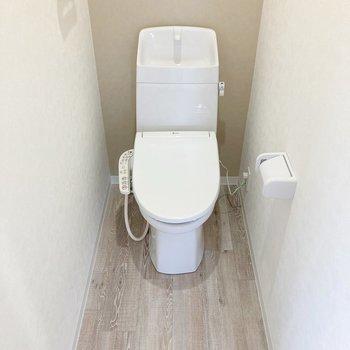 トイレは奥行きがあります。