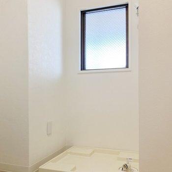 洗濯機置き場も脱衣所に。