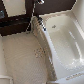追い炊き、浴室乾燥、窓まであるお風呂場