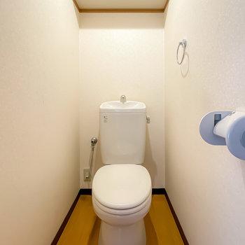 トイレはコンセントがあるので、ウォシュレットが後付けできます。