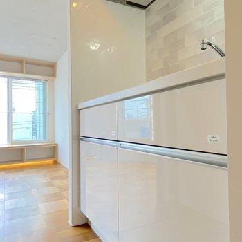 キッチンも清潔感があります。
