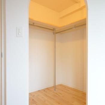 イメージ】寝室の奥にウォークインクローゼット!アーチがわいい〜〜!