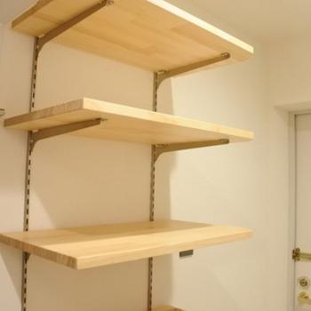 イメージ】靴の収納には可動式の棚を設置します。