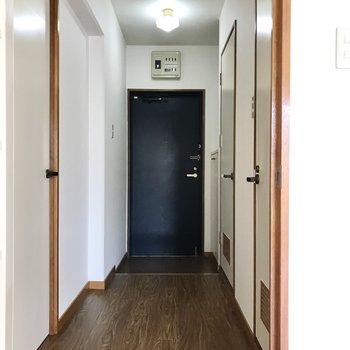 洋室は廊下側に