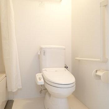 トイレはウォシュレットつき!※写真は9階別部屋同間取りのものです