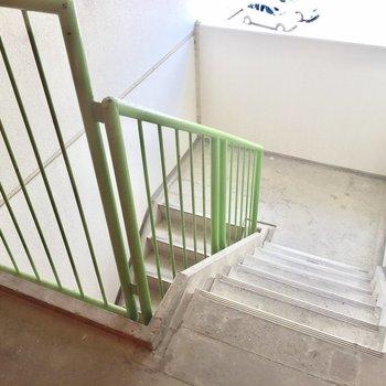 4階までは階段で。良い運動になりそうだ!