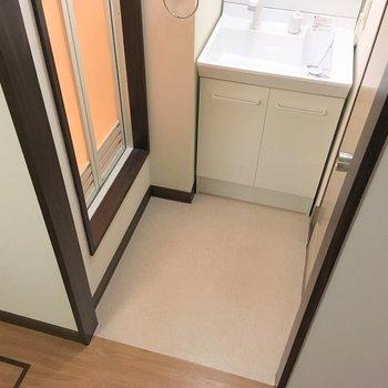 脱衣所に扉はありませんが。※写真は前回募集時のものです
