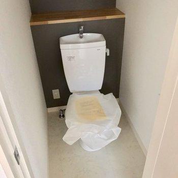 トイレもきれいになっています。ウォシュレットは持ち込みで設置可能。