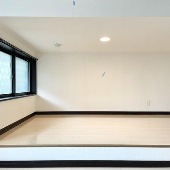 床下スペースですが天井の高さもあってお部屋として使えそうです○