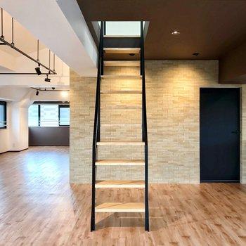 つづいて、階段をのぼってみましょう。