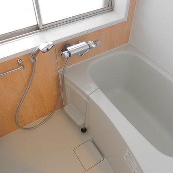 お風呂は窓があって明るい〜※写真は前回募集時のもの