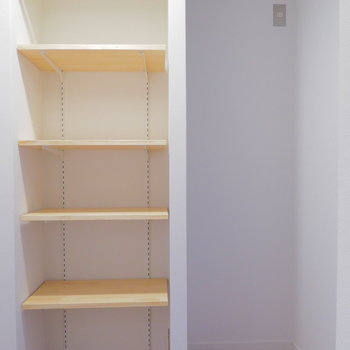 冷蔵庫置場と可動棚も有ります!※写真は前回募集時のもの