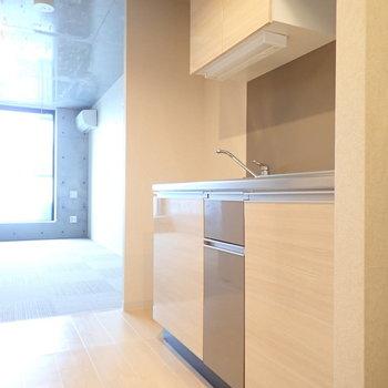 キッチンはツートーン!かわいいですね。