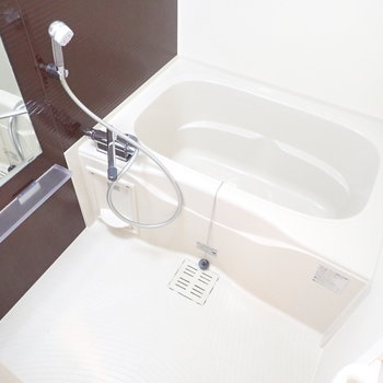 シンプルなお風呂、かと思いきや、