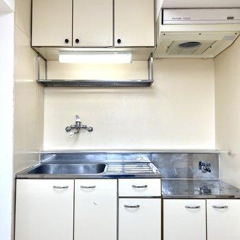 【キッチン】調理場もあるので、自炊もしやすそう。