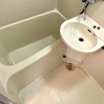 浴槽、洗い場ともに広くて使いやすそうですね。