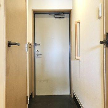玄関はしっかり広め。