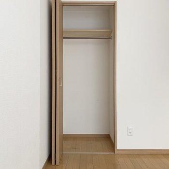 圧縮袋などを使って賢く収納したい。※写真は1階の同間取り別部屋のものです