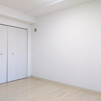 【5帖洋室】くつろぎスペースや、仕事スペースに。