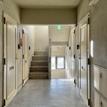 お部屋までは階段です。がんばりましょう〜!