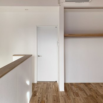 【2階】ダブルベットを置いてもゆとりがありそうです!家具選びの際は要寸法を。