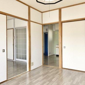 【洋室②】洋室はどちらも同じサイズだからルームシェアなんかにもいいかもね。