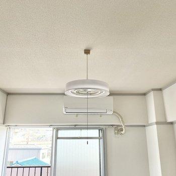 【洋室①】電気もカワイイ◯