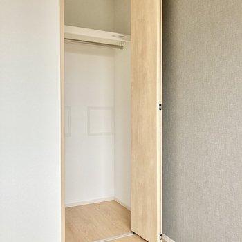 収納は少し小さめ。お部屋に見せる収納をしましょう!(※写真は5階の同間取り別部屋のものです)